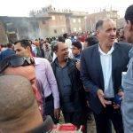 رئيس محلية دمنهور يتفقد قرية غربال بعد اخماد حريق هائل