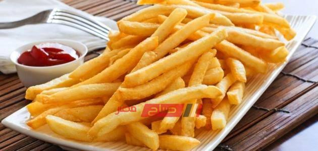 طريقة عمل البطاطس المحمرة بدون زيت