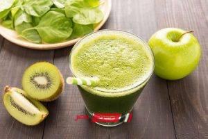 طريقة عمل عصير الكيوي والتفاح الأخضر الصحي