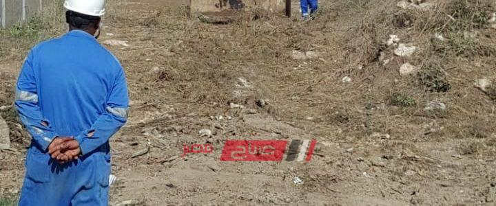 إزالة المخلفات حول حرم الطابية الحمراء الأثرية في الإسكندرية