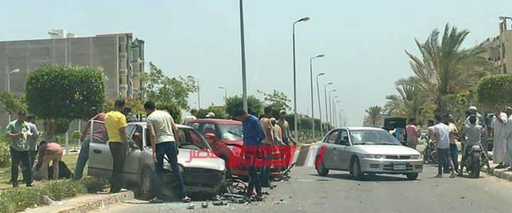 إنقلاب سيارة ملاكي في حادث سير مروع على طريق دمياط الجديدة