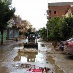 إزالة تجمعات مياه الأمطار بمدينة كفر البطيخ في دمياط