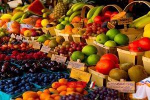 أسعار المانجو و التفاح تتراجع جنيه في أسواق الفاكهة اليوم