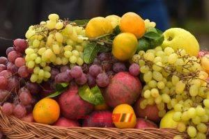 جملة العنب ترتفع لـ 30 جنيهًا في سوق العبور اليوم