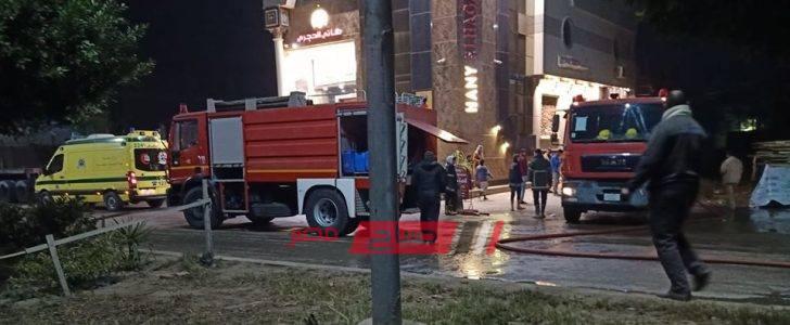 اندلاع حريق هائل في ورشة موبليات بدمياط