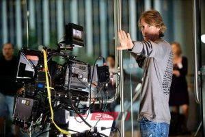 الخطاب الروائي والسينمائي بين جدلية الاتصال والانفصال