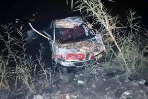 تفاصيل وصور انقلاب سيارة ملاكي في ترعة كفر سعد بدمياط