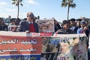 بالصور والفيديو أهالي دمياط يرفعون صورة محمد علي ويهتفون تحيا مصر