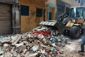 إنهيار أجزاء من عقار في حي وسط محافظة الإسكندرية – صور