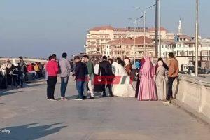 بالصورة زفاف عروس على لسان رأس البر