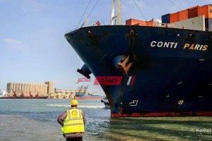 588 شاحنة تغادر ميناء دمياط بحمولة 32530 طن من البضائع العامة