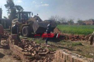 إزالة  حالة تعدي على الرقعة الزراعية في دمياط بمساحة 300 متر