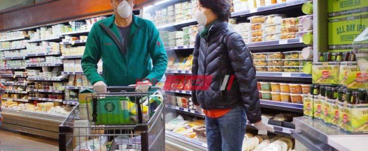 اعرف كيفية خلع القفازات الواقية بطريقة صحيحة بعد الانتهاء من التسوق