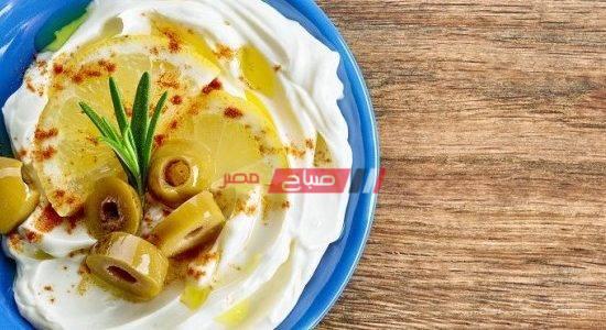 طريقة عمل الجبن الكريمي بالزيتون والليمون