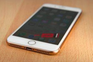 ايفون ٩ iPhone 9 يطيح بهاتف ابل 8 تعرف على فرق السعر