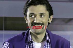 كريم محمود عبد العزيز يجسد دور والده علي التيك توك (فيديو)