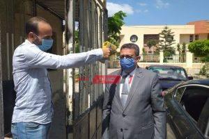 تعليم الإسكندرية يبدأ تفعيل ارتداء الكمامات داخل جميع المدارس والادارات التعليمية