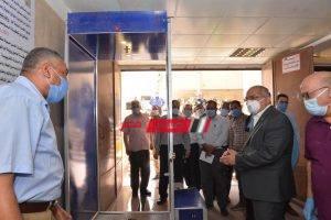 رئيس جامعة أسيوط يشهد تركيب بوابة تعقيم ذاتي بمستشفى العصبية والنفسية الجامعي