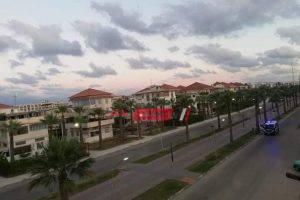 بالصور التزام المواطنين بمواعيد الحظر في رأس البر وحملات أمنية تجوب الشوارع