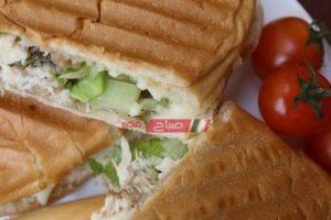 طريقة عمل ساندويش الدجاج بالفطر والبصل