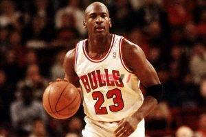 أسطورة كرة السلة يتبرع بمبلغ ضخم لمكافحة العنصرية
