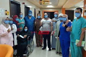احتفال مستشفى إسنا بخروج 28 شخص مُصاب بكورونا في يوم واحد