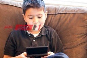 تأثير الألعاب الإلكترونية علي نفسية الأطفال