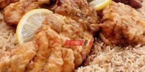 سمك الفيليه المقرمش مع أرز بالقرفة