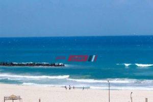 محافظ الإسكندرية يحذر المواطنين من السباحة فى شاطىء النخيل