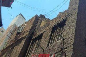 بالصور انهيار أجزاء من عقار بحى الجمرك فى الإسكندرية