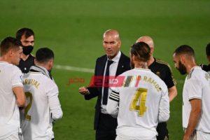 ريال مدريد يفقد مدافعه في المباراة المقبلة للإصابة