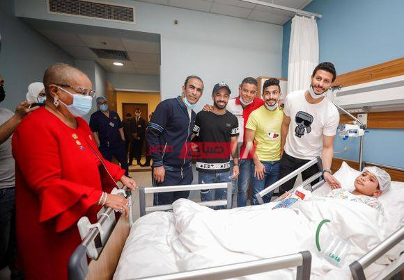 وفد الأهلي يزور مستشفى الناس