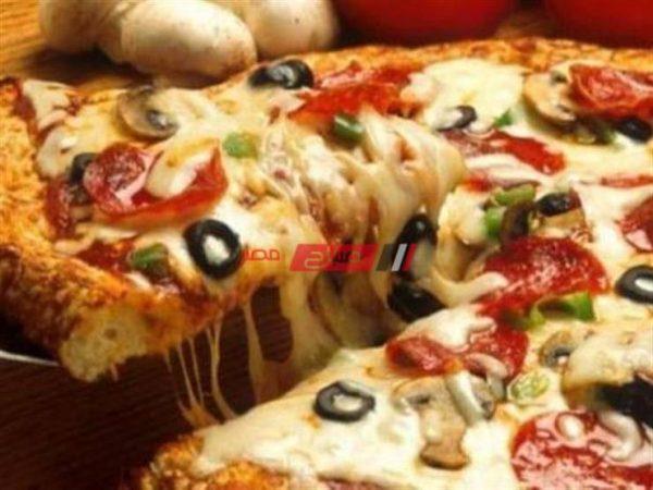 البيتزا الإيطالى