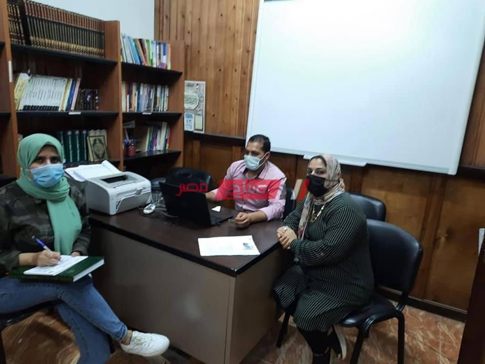 تطعيم مراقبي الثانوية العامة بلقاح فيروس كورونا في دمياط